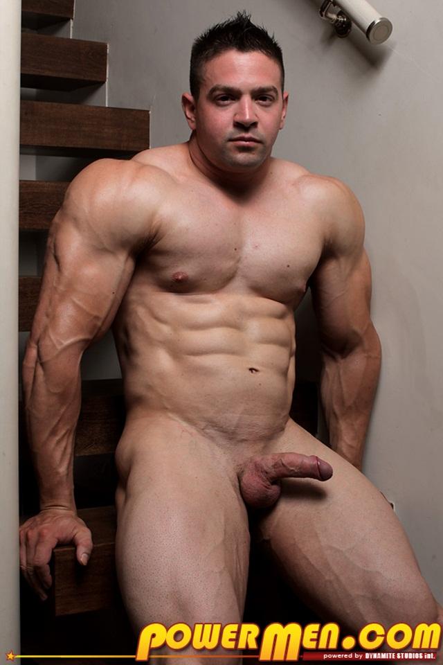naked redheaded male bodybuilder