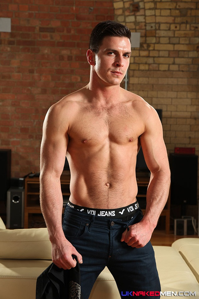 nude gay porn pics Paddy obrian 010 Ripped Muscle Bodybuilder Strips Naked and Strokes His Big Hard Cock for at UK Naked.Men photo copia1 Paddy OBrian at UK Naked Men