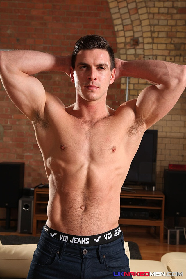nude gay porn pics Paddy obrian 011 Ripped Muscle Bodybuilder Strips Naked and Strokes His Big Hard Cock for at UK Naked.Men photo copia1 Paddy OBrian at UK Naked Men