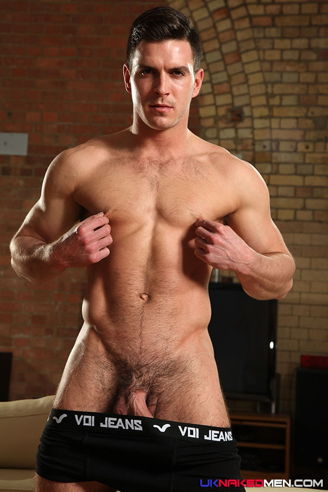 nude gay porn pics Paddy obrian 012 Ripped Muscle Bodybuilder Strips Naked and Strokes His Big Hard Cock for at UK Naked.Men photo copia1 Paddy OBrian at UK Naked Men
