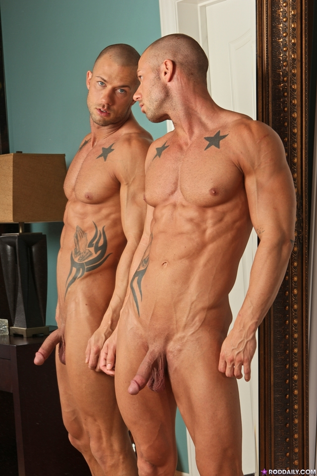 Male bodybuilder get naked gay first time