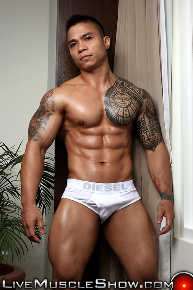 Top 100 Worlds Sexiest Naked Bodybuilders At Live Muscle Show 1-10  Men For Men Blog-3789
