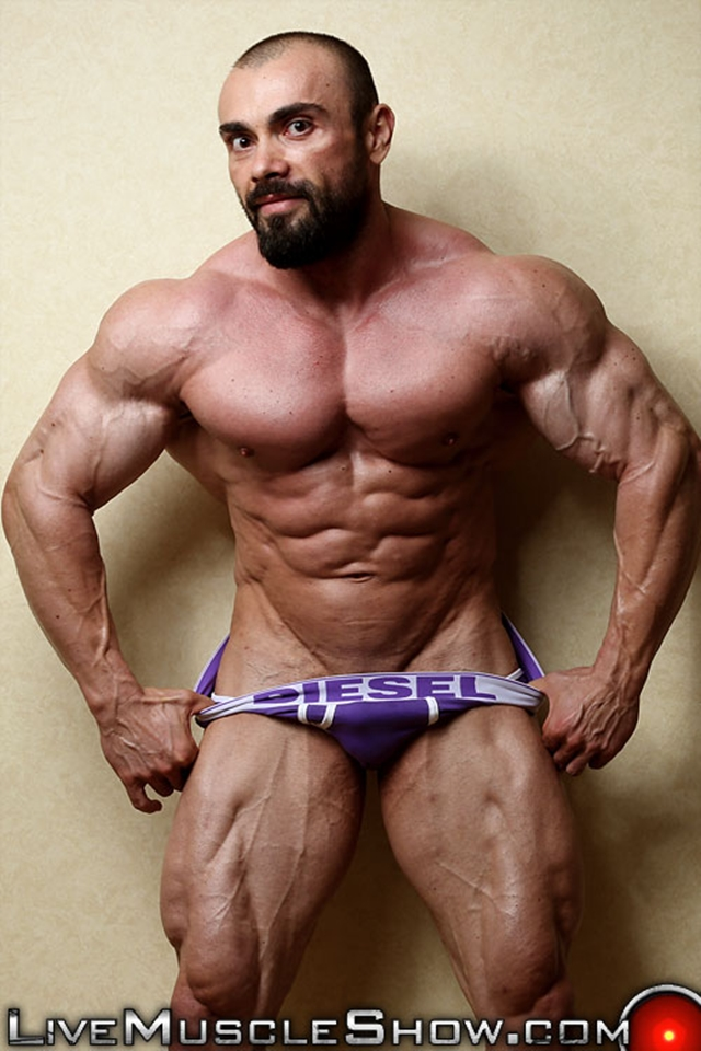 Muscle cam show