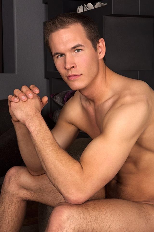 seancody-romantic-dan-08-gay-porn-movies-download-torrent-photo