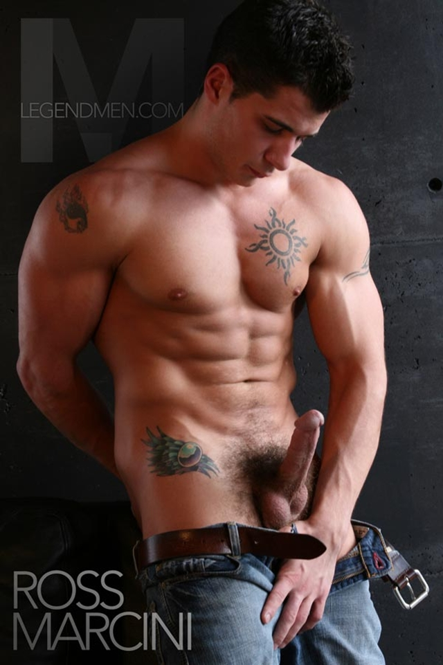 Legend-Men-Real-Muscle-Men-naked-bodybuilder-nude-bodybuilders-big-muscle-Ross-Marcini-gay-porn-pics-photo