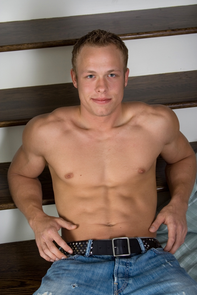 Abercrombie-&-Fitch-muscle-stud-Corbin-Case-Southern-Strokes-amateur-gay-men-for-boys-naked-young-studs-huge-dicks-03-pics-gallery-tube-video-photo