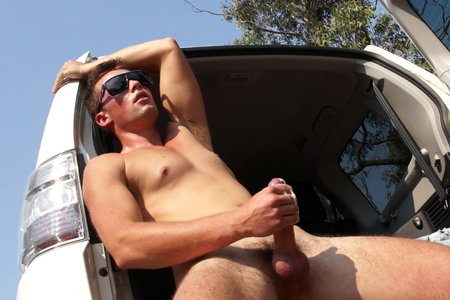 Gay-porn-pics-08-Aussie-boy-Lincoln-Ashby-naked-roadside-jerk-off-Bentley-Race-Aussie-skater-boys-nude-naked-young-men-jerking-videos-photo