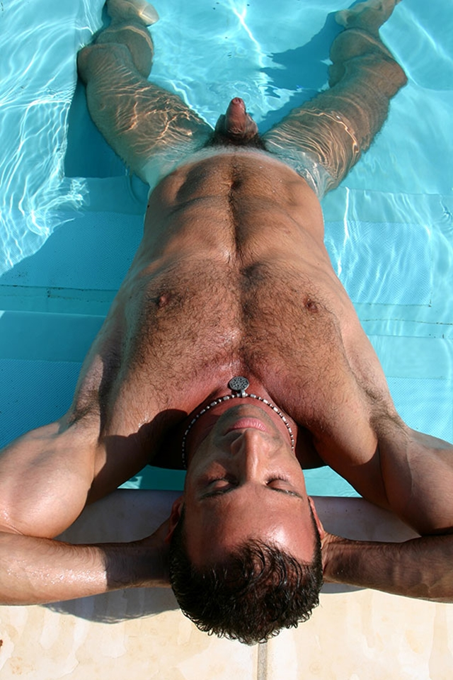 Gay-porn-pics-gallery-tube-video-03-Alberto-and-Marco-Lucas-Kazan-Italian-latin-gay-men-latino-straight-men-naked-straight-latino-men-photo