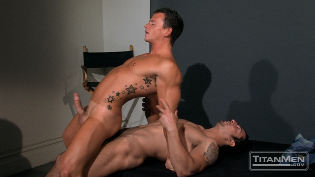 ROUGH MUSCLE SEX GAY PORN