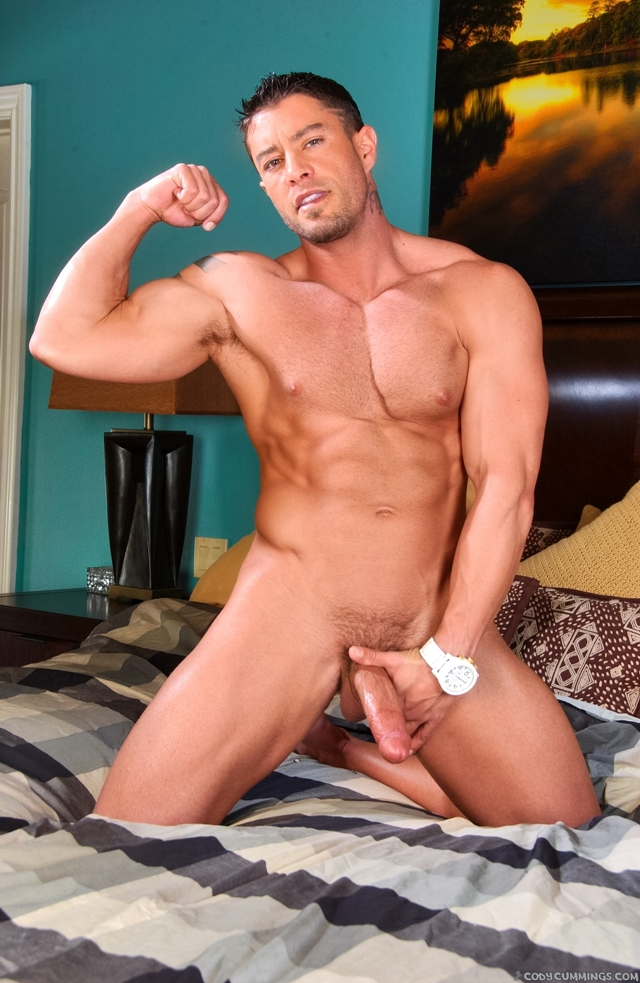 Cody-Cummings-gay-porn-star-ripped-muscle-stud-American-huge-dick-bubble-butt-05-pics-gallery-tube-video-photo