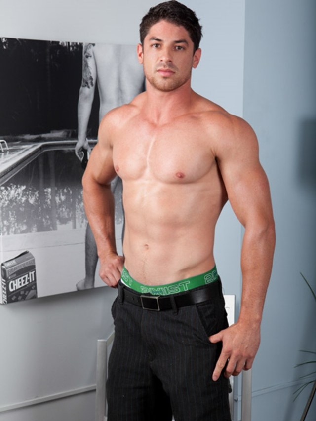 muscled gays tubes
