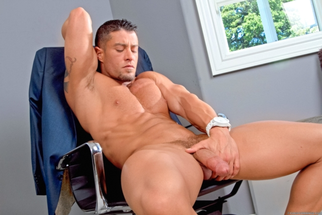 Cody-Cummings-gay-porn-star-ripped-muscle-stud-American-huge-dick-bubble-butt-muscled-hunk-hard-abs-09-pics-gallery-tube-video-photo
