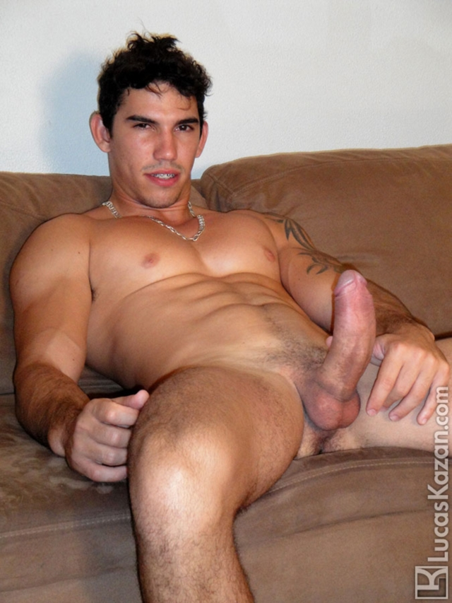 straight men Naked latino