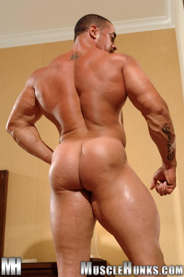 Gay Hunk Washing Up His Cock