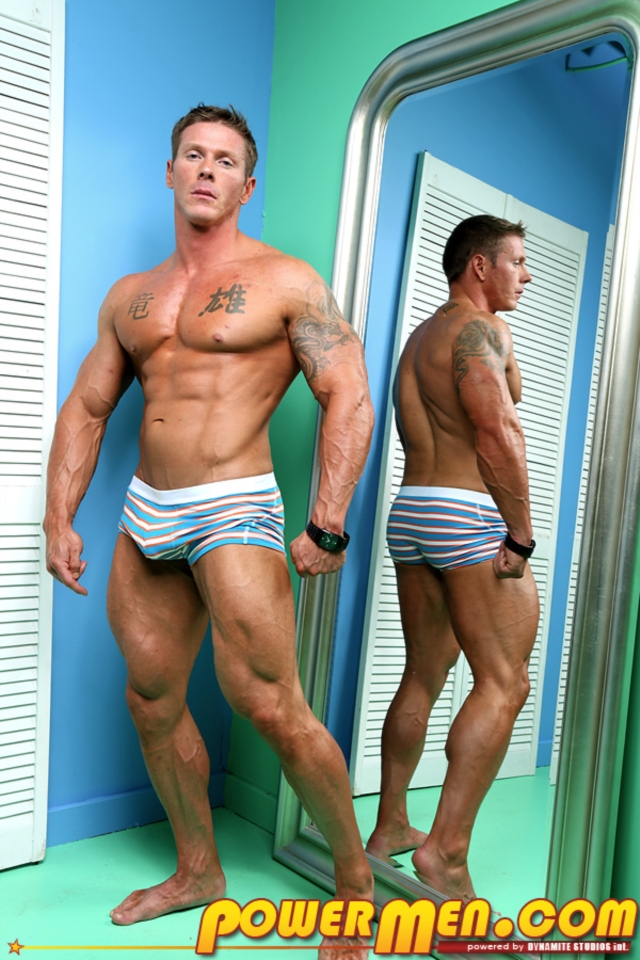 James-Idols-PowerMen-nude-gay-porn-muscle-men-hunks-big-uncut-cocks-tattooed-ripped-bodies-hung-massive-naked-bodybuilder-01-gallery-video-photo