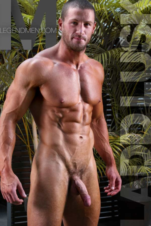 naked muscle men com