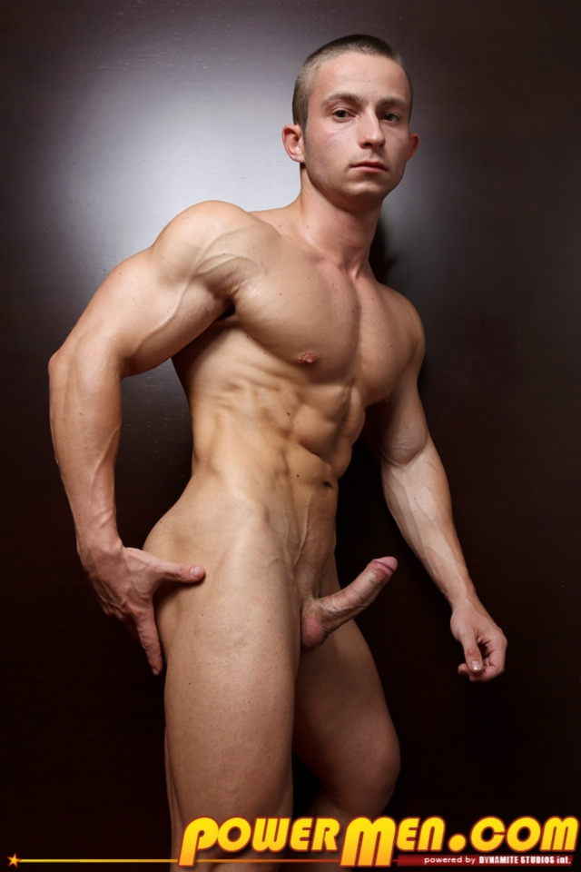 Gay Hung Muscle Men Naked