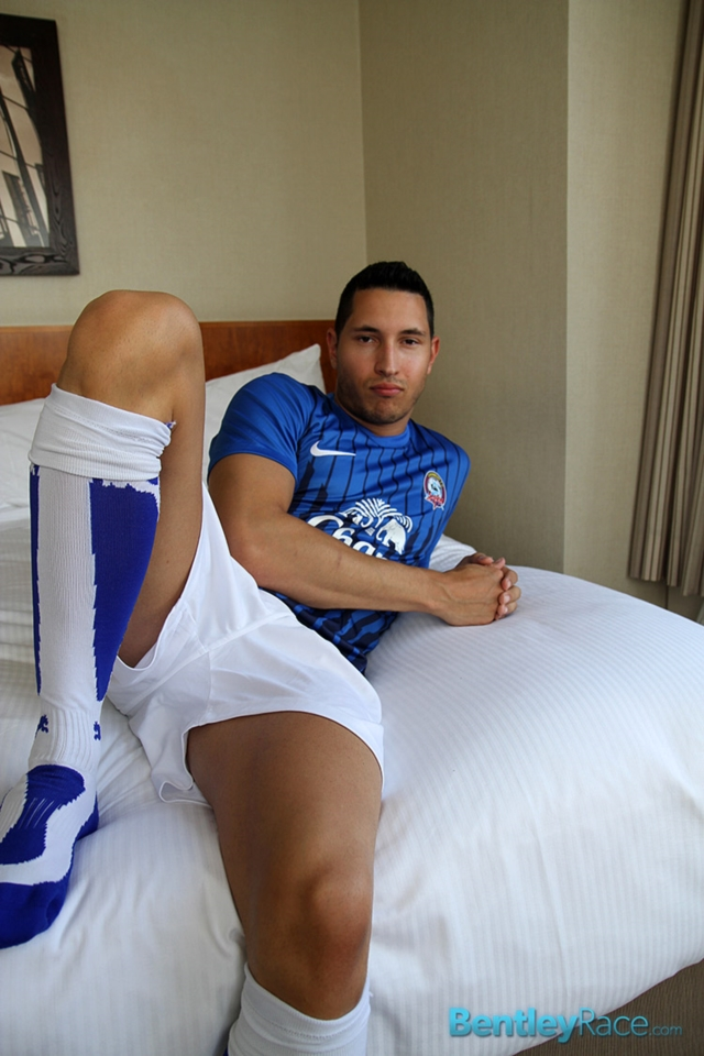 BentleyRace-Vinnie-Gambino-02-gallery-video-photo