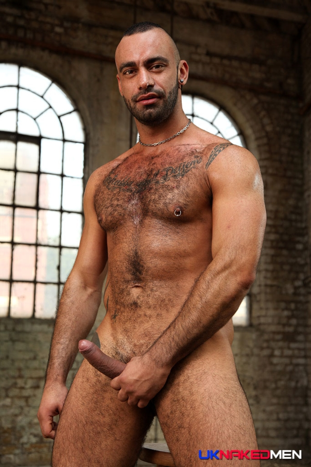 Tony-Thorn-and-Fabio-Lopez-UKNakedMen-hairy-young-men-muscle-studs-British-gay-porn-English-Guys-Un