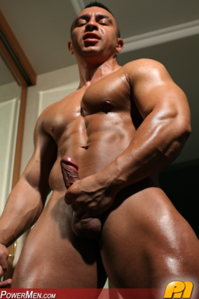 huge muscle men sex