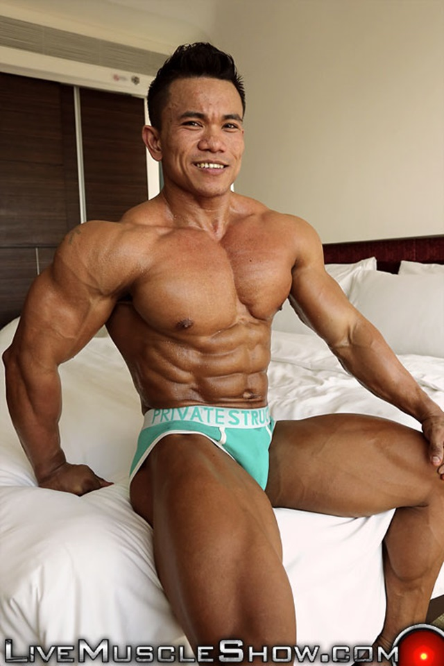 Bodybuilder male gay man penis fuck photo 5