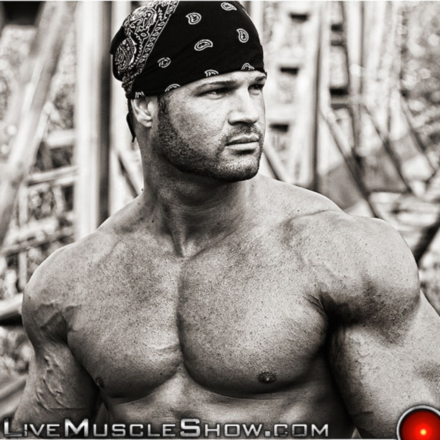 Kurt-Beckmann-Live-Muscle-Show-Gay-Naked-Bodybuilder-nude-bodybuilders-gay-fuck-muscles-big-muscle-men-gay-sex-04-gallery-video-photo