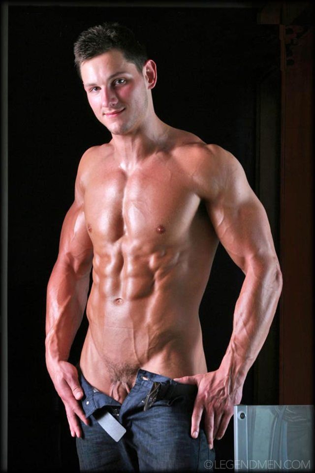 Dyson-Parker-Legend-Men-Gay-Porn-Stars-Muscle-Men-naked-bodybuilder-nude-bodybuilders-big-muscle-huge-cock-010-gallery-video-photo