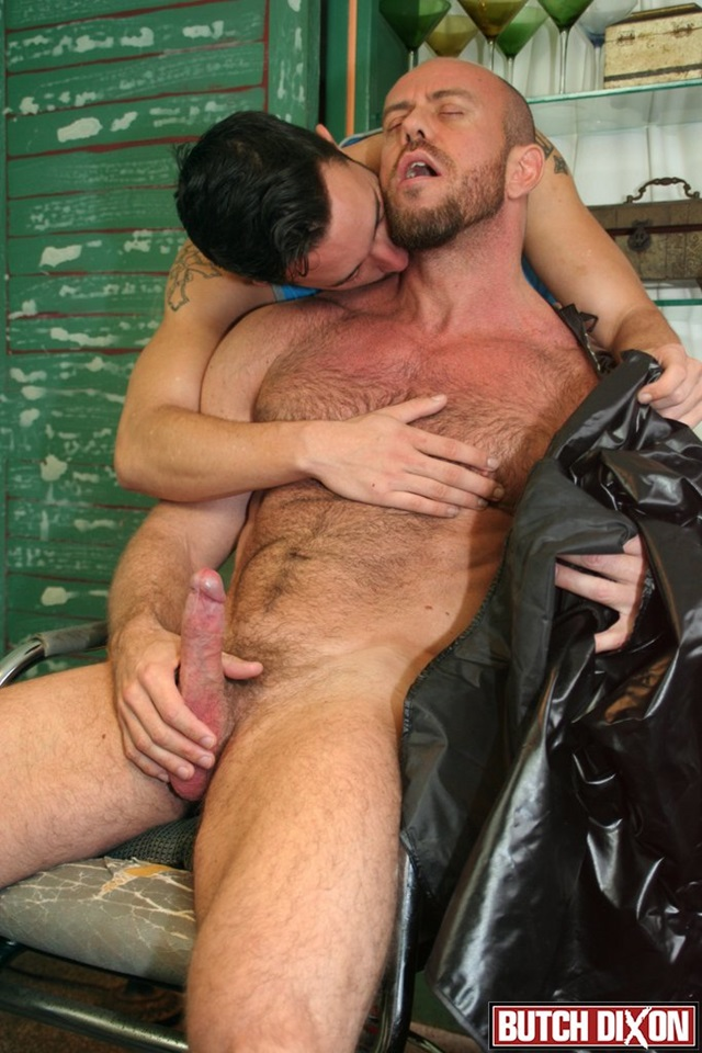 Matt-Stevens-and-Isaac-Hardy-Butch-Dixon-hairy-men-gay-bears-muscle-cubs-daddy-older-guys-subs-mature-male-sex-porn-006-gallery-video-photo