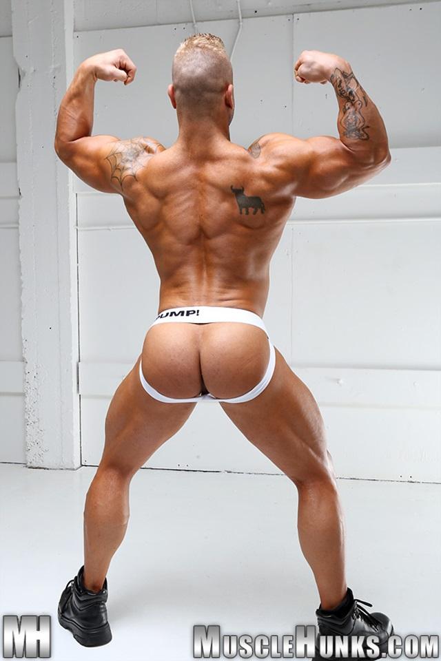 naked asia bodybuilder butt