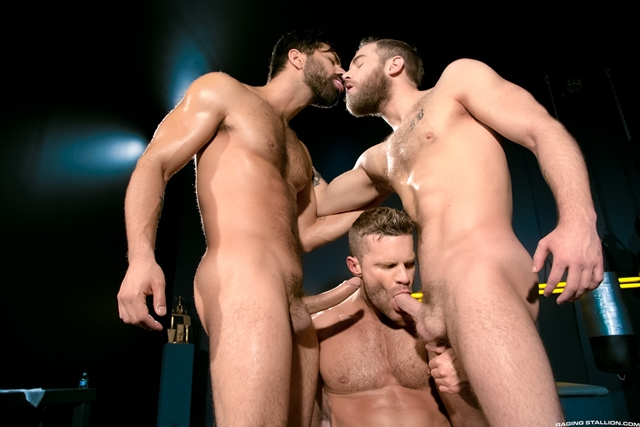 Raging-Stallion-fuck-Shawn-Wolfe-Landon-Conrad-Adam-Ramzi-mat-fucking-mouth-ass-boxing-match-014-male-tube-red-tube-gallery-photo