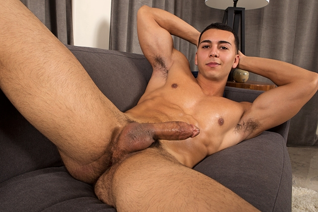 Sean-Cody-Nude-muscle-dude-Vic-strips-naked-jerks-big-thick-dick-explodes-huge-cumshot-ripped-abs-001-male-tube-red-tube-gallery-photo