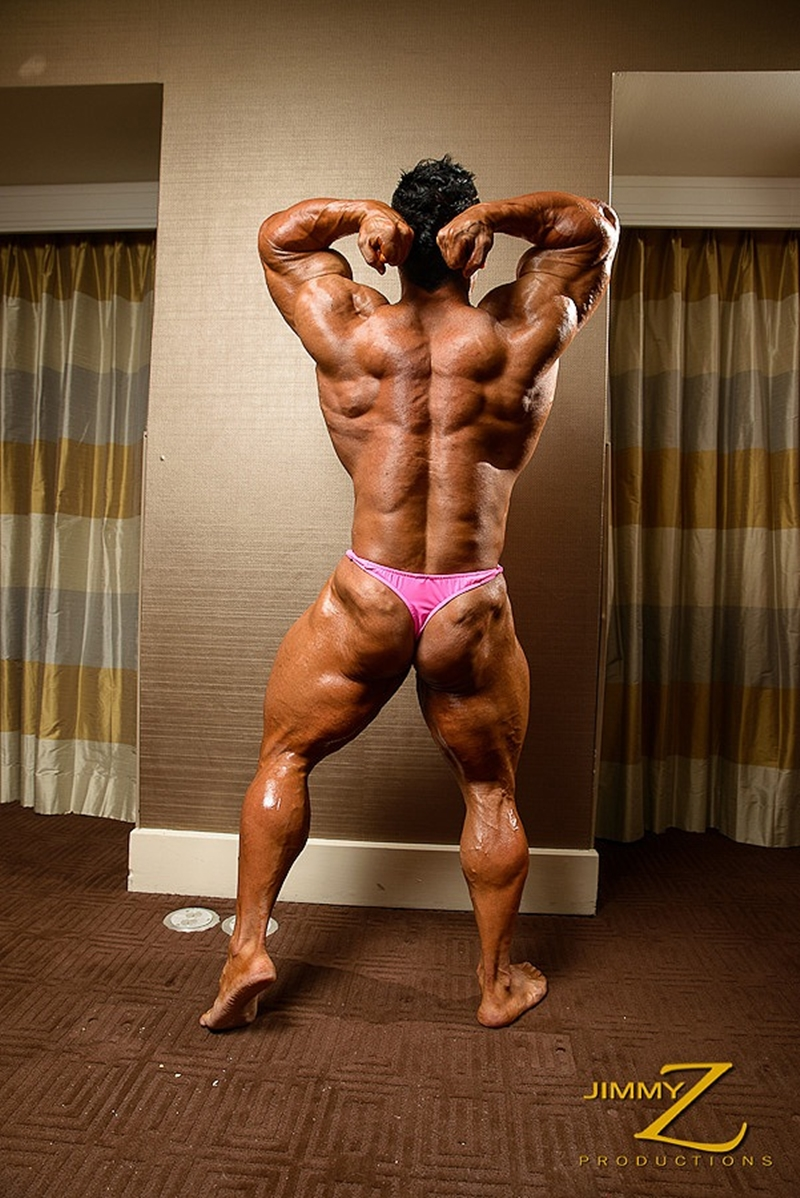 JimmyZProductions-Markus-Ranger-oil-flexes-huge-pecs-huge-biceps-thong-shredded-glutes-world-class-bodybuilder-006-nude-men-tube-redtube-gallery-photo