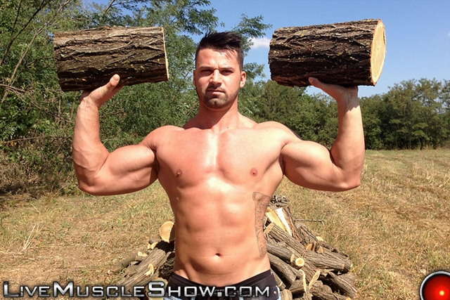 Live-Muscle-Show-Clark-Lewis-athletic-masculine-ripped-abs-muscle-nude-bodybuilder-broad-hairy-chest-002-male-tube-red-tube-gallery-photo