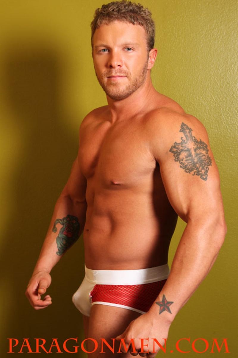 hot naked men bodybuilder