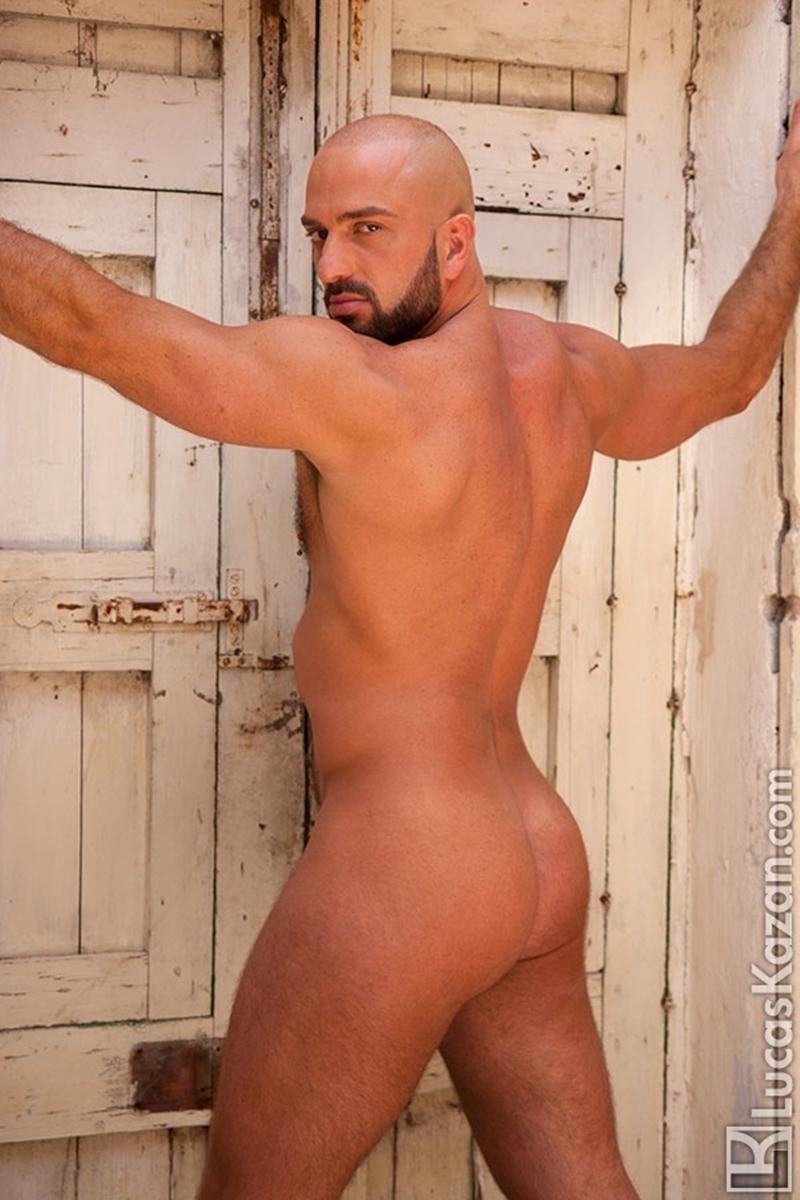 LucasKazan-Italian-newcomer-Bruno-Boni-winner-Rome-Ettore-ITALIANS-OTHER-STRANGERS-chiseled-body-bedroom-eyes-006-tube-download-torrent-gallery-photo