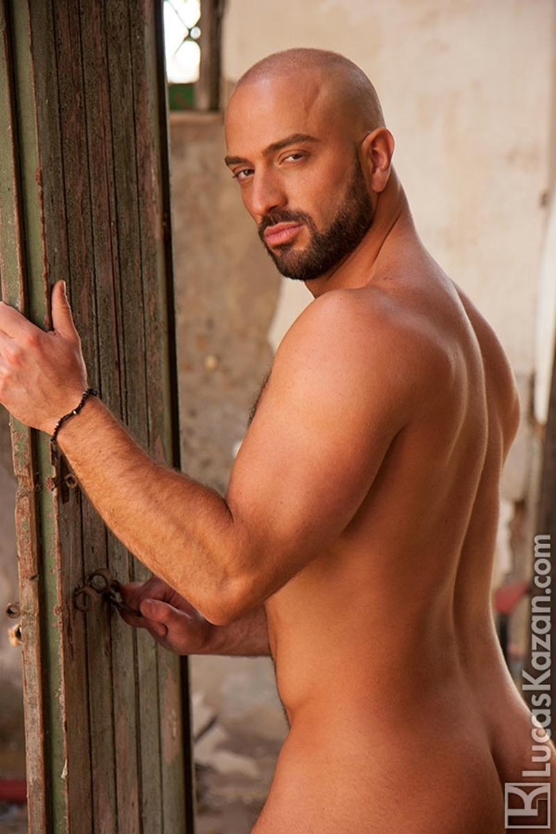 LucasKazan-Italian-newcomer-Bruno-Boni-winner-Rome-Ettore-ITALIANS-OTHER-STRANGERS-chiseled-body-bedroom-eyes-009-tube-download-torrent-gallery-photo