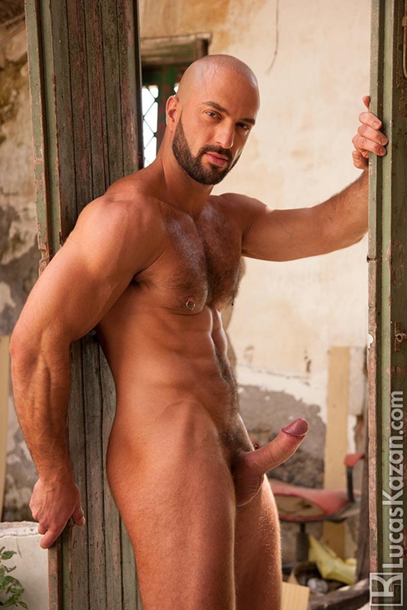 LucasKazan-Italian-newcomer-Bruno-Boni-winner-Rome-Ettore-ITALIANS-OTHER-STRANGERS-chiseled-body-bedroom-eyes-012-tube-download-torrent-gallery-photo