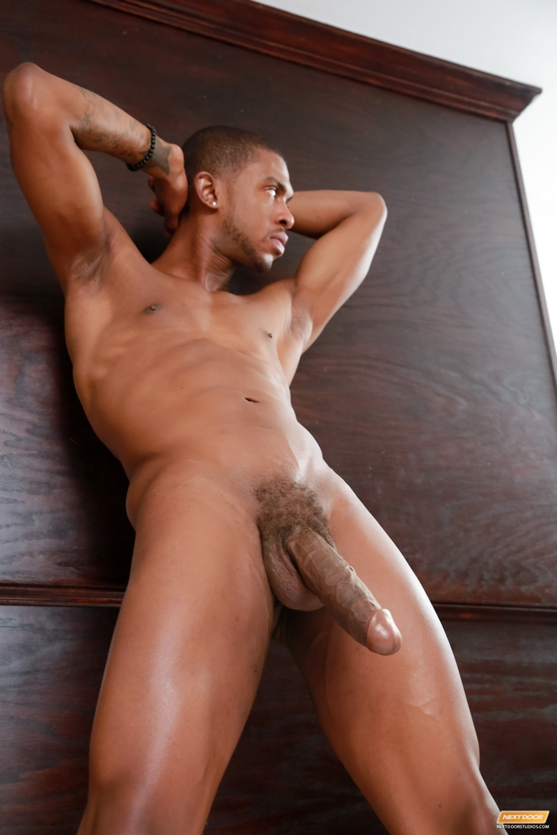 Naked thick black guy - XXX pics