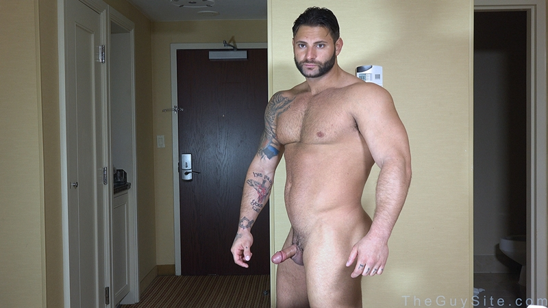 TheGuySite-Mike-Buffalari-naked-bodybuilding-29-years-old-big-muscle-hunk-bigger-beefier-V-Shaped-torso-huge-thighs-shape-001-tube-download-torrent-gallery-photo