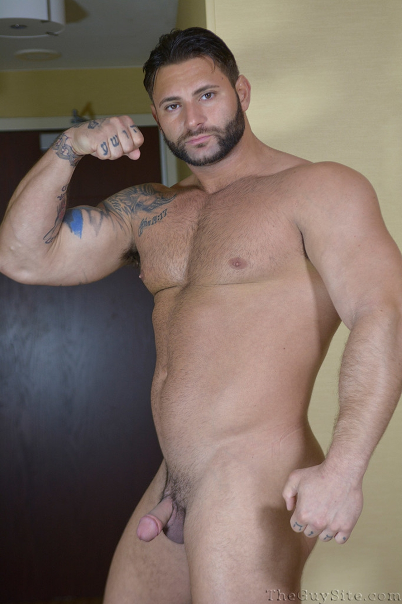 TheGuySite-Mike-Buffalari-naked-bodybuilding-29-years-old-big-muscle-hunk-bigger-beefier-V-Shaped-torso-huge-thighs-shape-009-tube-download-torrent-gallery-photo