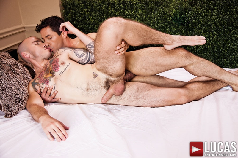 LucasEntertainment-Mikoah-Kan-power-bottom-flip-fuck-cock-up-asshole-Cam-Christou-hot-guys-top-bottom-boys-tattoo-muscle-hunks-014-tube-download-torrent-gallery-sexpics-photo