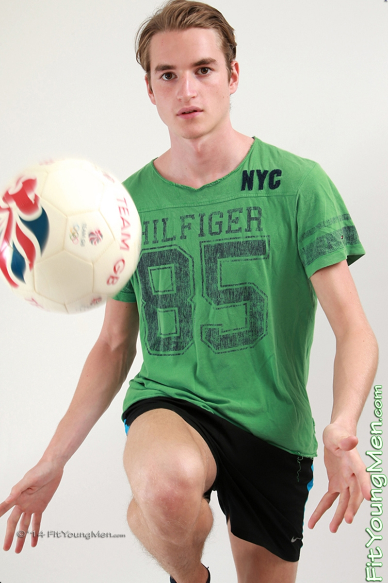 FitYoungMen-Jeremy-Norfolk-Naked-Footballer-Young-Boy-Big-Uncut-Cock-Age-20-years-old-Straight-dude-002-tube-download-torrent-gallery-sexpics-photo