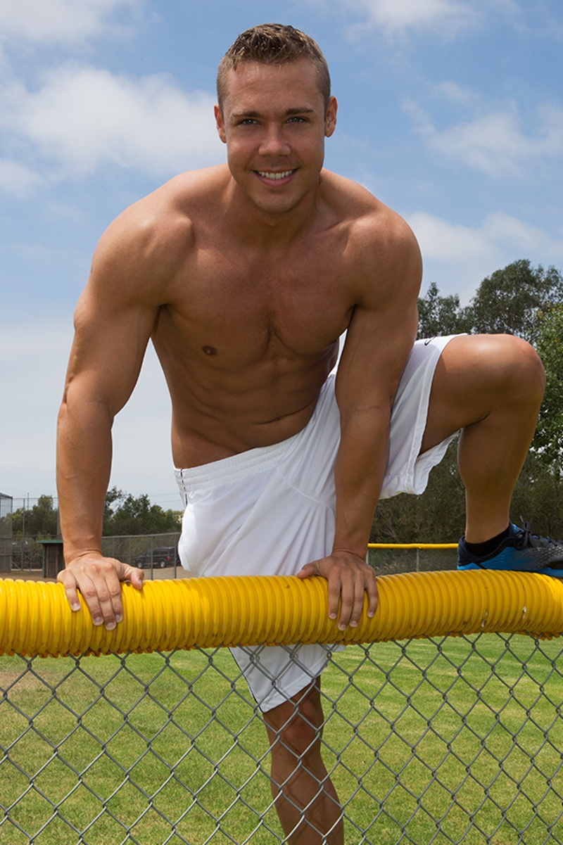 SeanCody-solo-jerk-off-Brody-ripped-muscle-x-big-shoulders-muscle-hunks-naked-men-big-dicks-sexy-young-muscle-hunk-002-tube-download-torrent-gallery-sexpics-photo