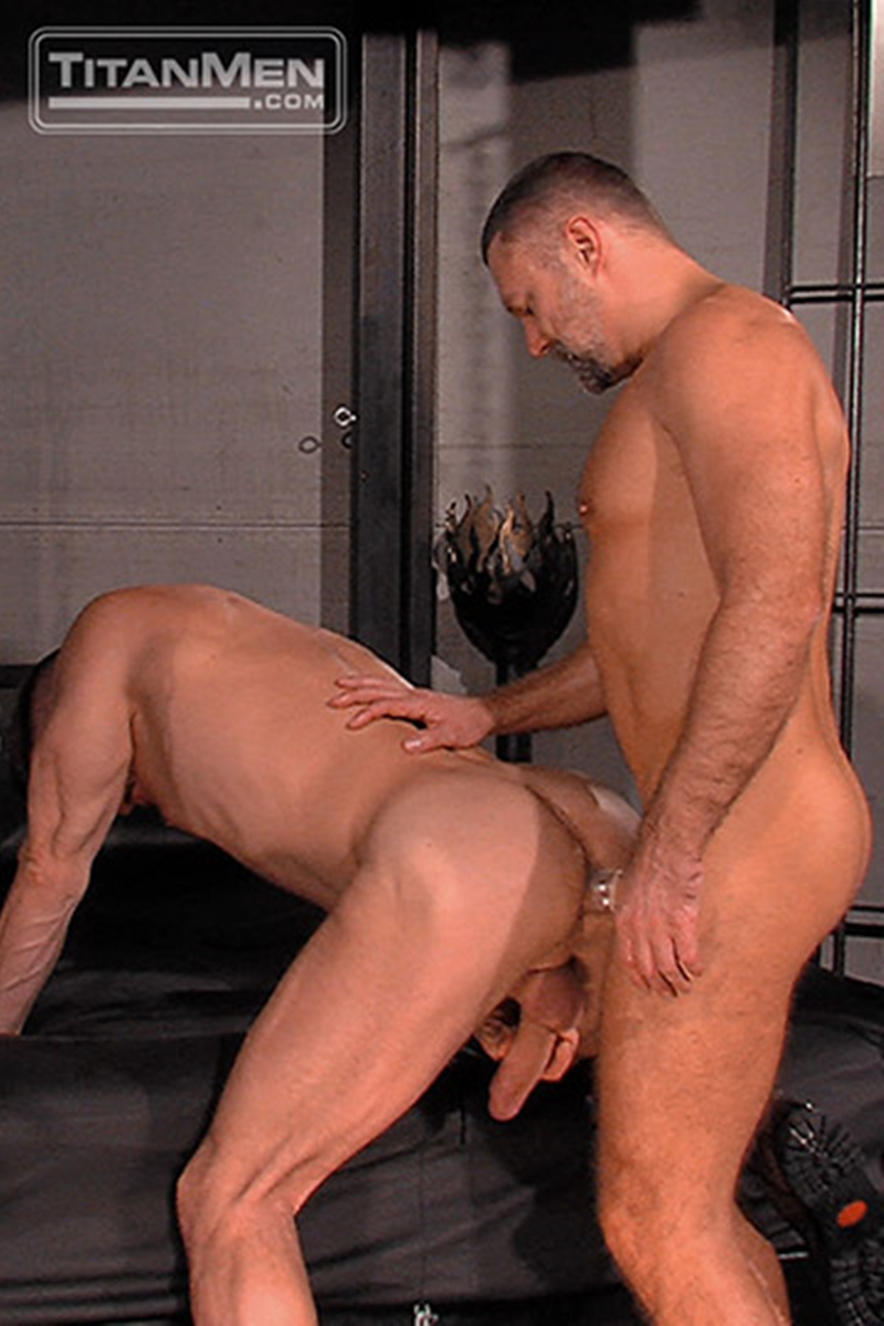 TitanMen-sex-club-Mack-Manus-Hans-Berlin-sucks-smooth-muscles-flex-rock-hard-cock-balls-deep-boner-007-tube-download-torrent-gallery-sexpics-photo
