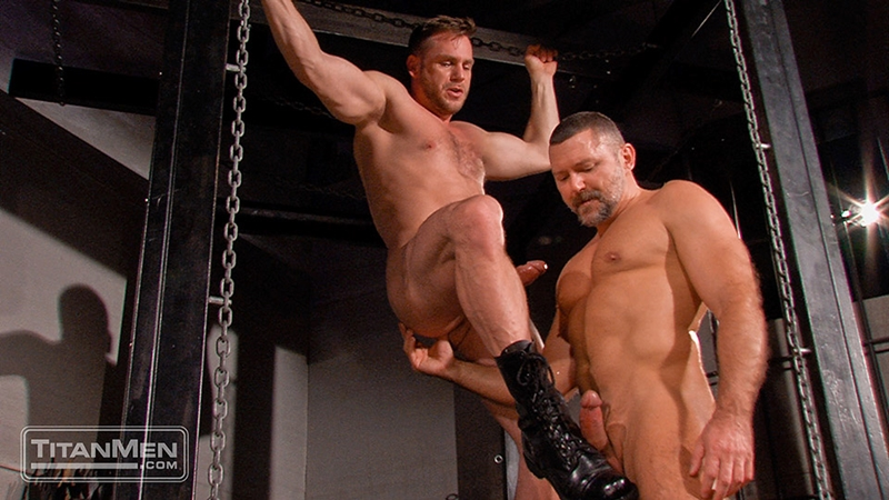 TitanMen-sex-club-Mack-Manus-Hans-Berlin-sucks-smooth-muscles-flex-rock-hard-cock-balls-deep-boner-011-tube-download-torrent-gallery-sexpics-photo