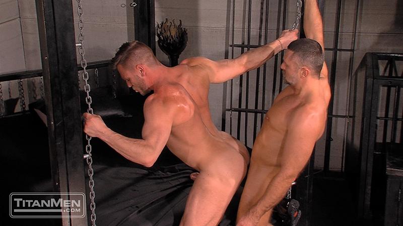 TitanMen-sex-club-Mack-Manus-Hans-Berlin-sucks-smooth-muscles-flex-rock-hard-cock-balls-deep-boner-014-tube-download-torrent-gallery-sexpics-photo
