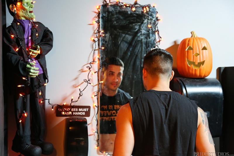 ExtraBigDicks-Hunter-Vance-Halloween-party-bathroom-stall-Doug-Acre-balls-deep-huge-shaft-cock-masked-man-explosion-cum-002-tube-download-torrent-gallery-sexpics-photo