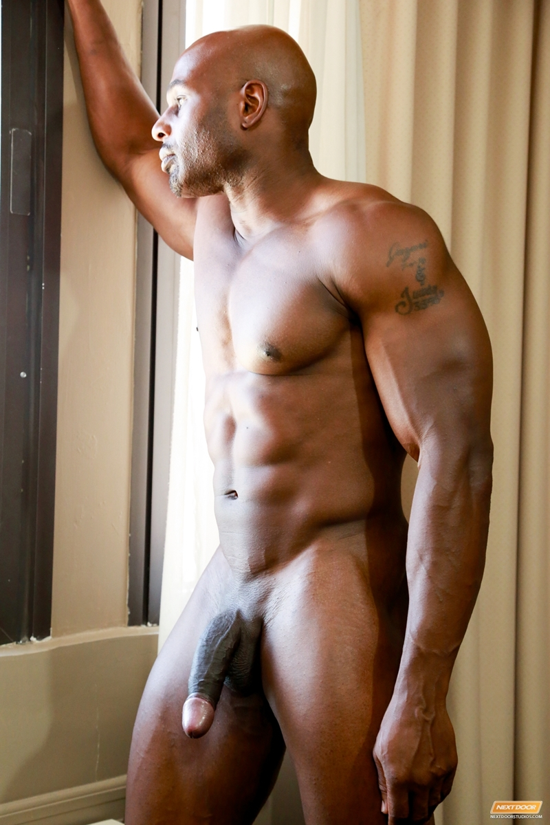 giant muscle ebony gay