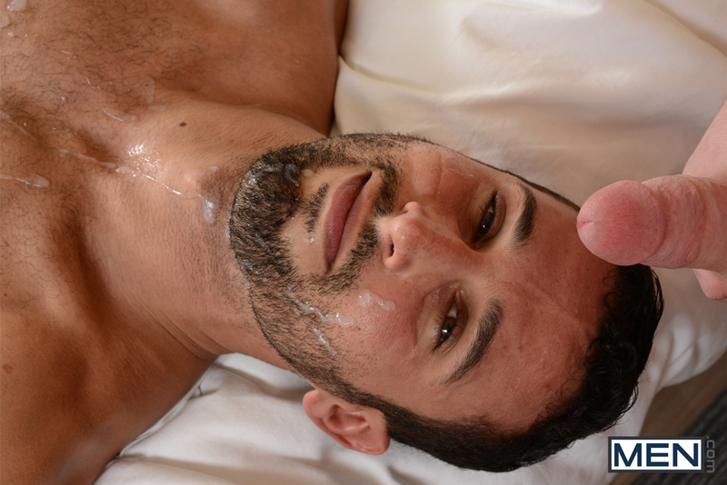 Latin gays flip flop with facial 4