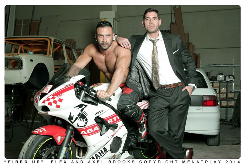 MenatPlay-Sexy-tattoo-Axel-Brooks-motorbike-rider-Flex-Xtremmo-leather-Power-bottom-muscle-cock-asshole-huge-cumshot-001-tube-video-gay-porn-gallery-sexpics-photo
